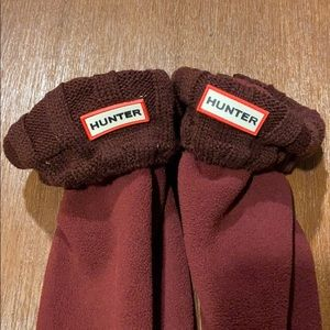 Hunter boot socks size M adult. Burgundy color